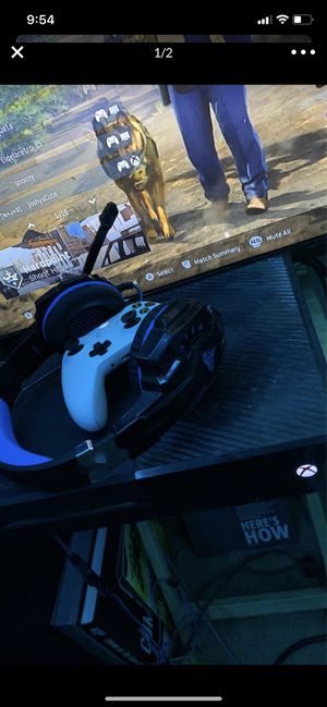 Xbox One with Controller and Headset for Sale in Chandler, AZ