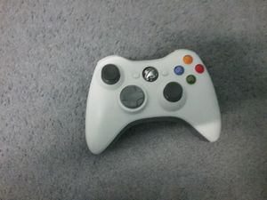 Xbox 360 controller for Sale in Dublin, GA