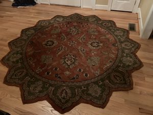 8ft rug - star shaped for Sale in Germantown, MD