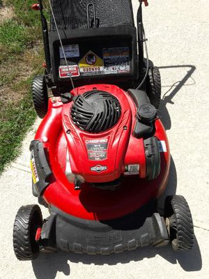briggs stratton Troy bilt gas lawn mower for Sale in Peoria, AZ