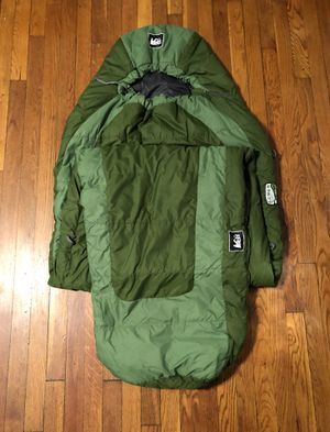 REI Men's Sleeping Bag paid $80 Co-op Lumen +40- Long Green. New never used! Excellent condition. The warm-weather REI Lumen +40°F synthetic sleeping for Sale in Washington, DC
