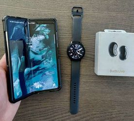 GALAXY Fold 512GB Unlocked Foldable Smartphone + Galaxy Watch Active 2 + Buds Live *PAID OFF UNLOCKED* for Sale in Newport Beach,  CA