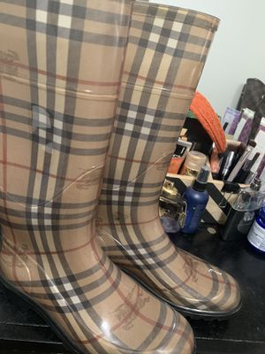Burberry Rain Boots for Sale in Long Beach, CA