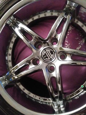 "2 Crave 5 Star 18"" Chrome Rims for Sale in Norfolk, VA"