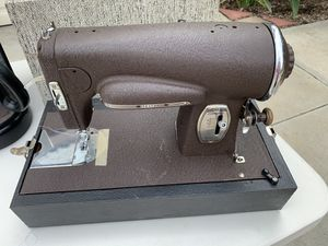 Sewing Machine, Antique for Sale in Lake Elsinore, CA