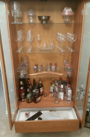 China cabinet for Sale in Severn, MD