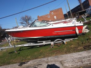 17' Boat with 140 Johnson motor for Sale in Brooklyn, NY