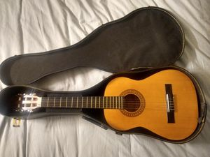 Sunlite half size guitar for Sale in Tacoma, WA