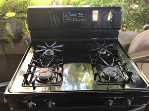 "30"" GE Gas Range / Stove, Black for Sale in St. Petersburg, FL"