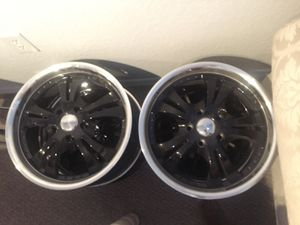 17 inch black with silver chrome lip.No tires rims only.One center cap missing. for Sale in Pembroke Pines, FL