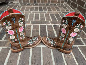 Macie Bean Boots (Girls) Size 4 for Sale in Conroe, TX