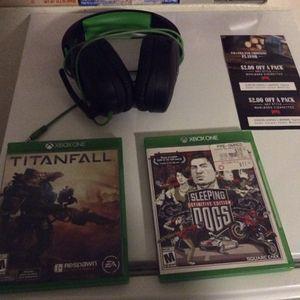 Xbox One Headset Plus 2 Games for Sale in Phoenix, AZ