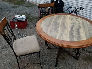 Hardwood Table and chairs for Sale in Gridley, CA