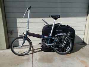 DAHON FOLDING BIKE 7 WITH SUITCASE for Sale in San Diego, CA