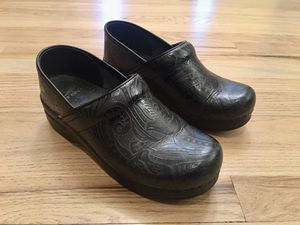Black Dansko Shoes - Size 38 (fits 7.5-8) for Sale in Arvada, CO