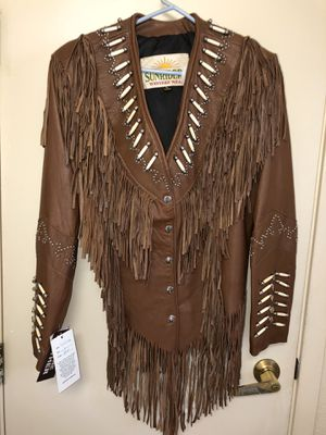 Sunrider Western Wear custom made hand embroidered inside lining Size L for Sale in Oakland, CA