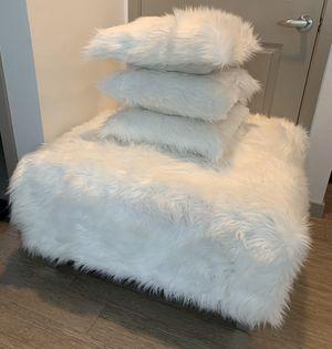 White Faux Fur Ottoman & Pillows for Sale in Chandler, AZ