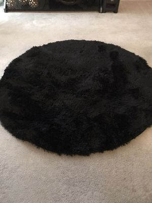 4'x4' Round Black or white Area Rugs for Sale in East Haven, CT