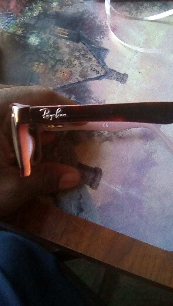 *Perfect condition**Raybans frams BLK/pink