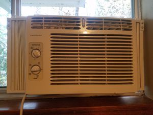 Frigidaire Air Conditioning (AC) Unit for Sale in Seattle, WA