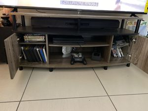 Tv Stand Up to 55 inches for Sale in Bowie, MD