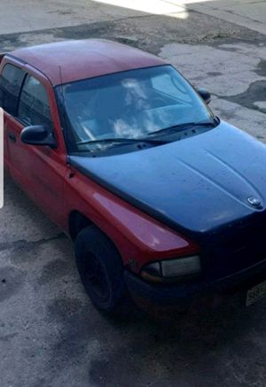 2000 DODGE DAKOTA (needs repair) for Sale in East Orange, NJ