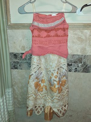 Girls size 8/10 Moana costume for Sale in Garland, TX