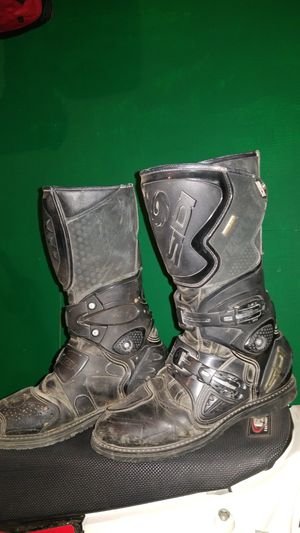 Sidi off road dirt bike boots size 8 for Sale in Klamath Falls, OR