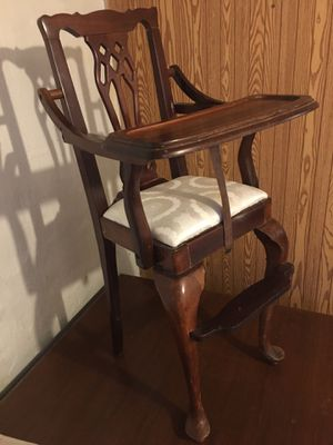 Antique Baby High Chair -Queen Anne for Sale in Des Moines, IA