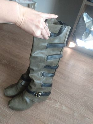 Women's leather boots for Sale in Centennial, CO