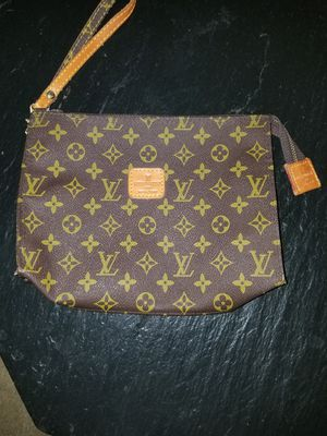 Louis Vuitton toiletry bag for Sale in St. Louis, MO