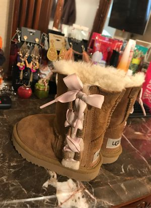 UGG boots for a girl 👧 for Sale in Perris, CA