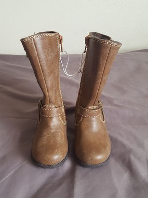 Leather baby girl brown boots size 8 infant for Sale in Spokane, WA