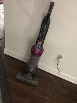 Dyson vacuum for Sale in Hampton, GA