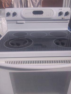 Kitchen Aid 5 burner glasstop range for Sale in Fayetteville, AR