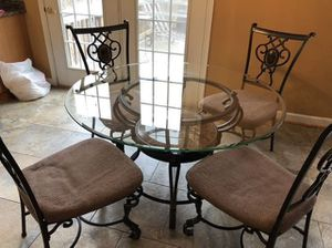 Table Set w/4 Chairs for Sale in Gambrills, MD