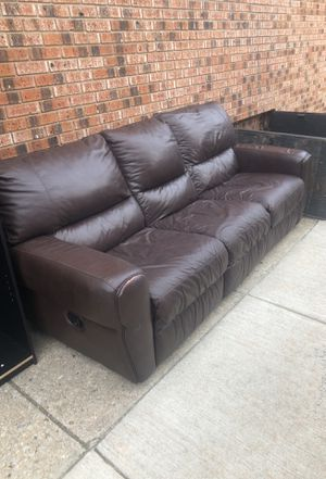 Brown couch *real leather* for Sale in Philadelphia, PA