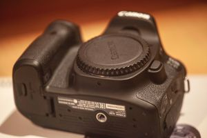 Canon EOS DSLR D80 Shutter Count ~5400 !! for Sale in Denver, CO