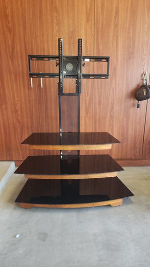TV Stand w/ mount for Sale in Goodyear, AZ