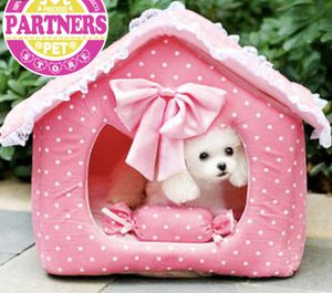 Pink dog house for Sale in Jersey City, NJ