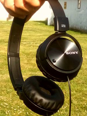 Sony bass headphones for Sale in Taylor, MI