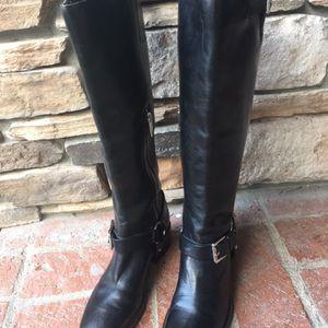 MK Boots Sz 5.5 for Sale in Stockton, CA