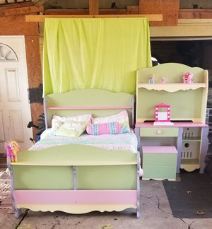 Pastel colors full size bed frame w matching desktop w stool comforter comes w it for Sale in Oklahoma City, OK