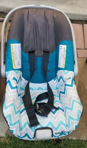 Baby car seat for Sale in Montebello, CA