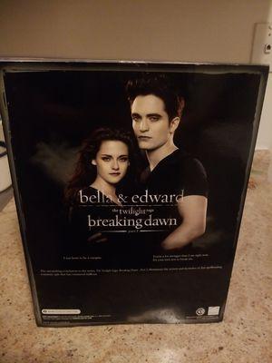 2012 Mattel barbie collectors Twilight Breaking Dawn Bella & Edward Set for Sale in Fridley, MN