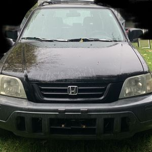 2001 Honda CR-V LX AWD (Part Out Or Whole) for Sale in Maywood, IL