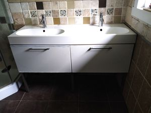 Ikea double sink & cabinet set for Sale in Tampa, FL