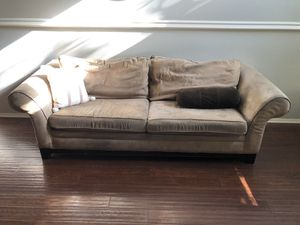 Couch and love seat for Sale in San Jacinto, CA