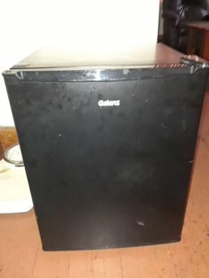 Galanz Mini Refrigerator for Sale in Detroit, MI