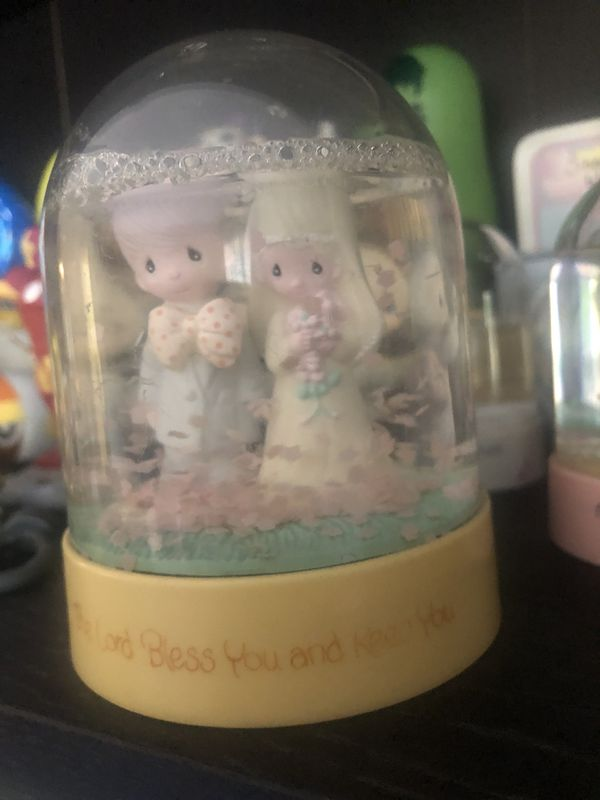 Precious moments snow globes. 5 if them